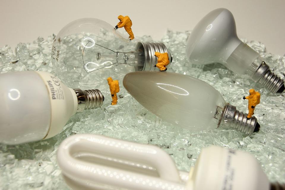 Moderní kompaktní zářivky 36 W neblikají díky elektronickému předřadníku