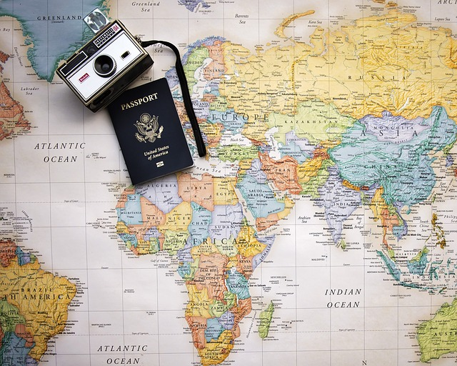 foťák a pas na mapě.jpg
