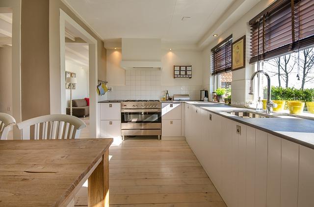 dvě okna v kuchyni.jpg