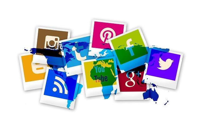 svět a sociální média.jpg