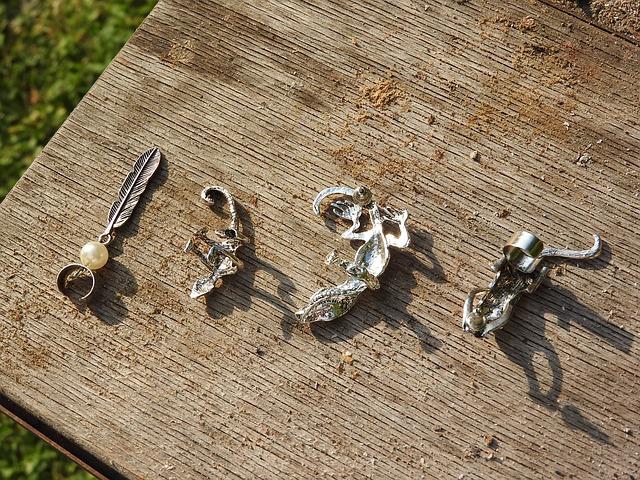 Stříbrné šperky, více druhů